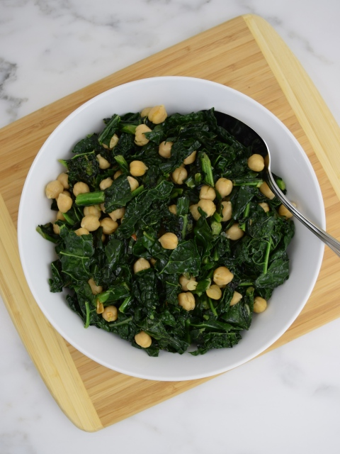 Organic Spicy Kale and Garbanzo Beans