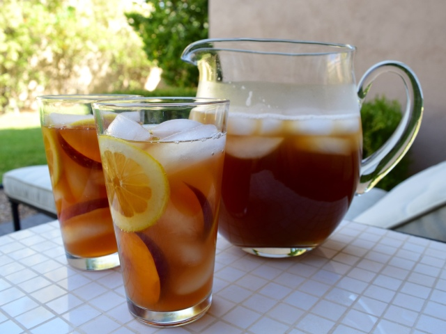 Decaf Iced Peach Tea with Stevia
