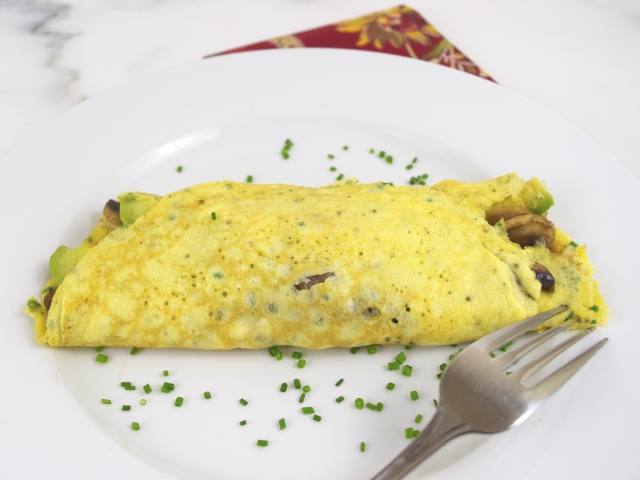 Caramelized Onions, Mushrooms and Avocado Omelette