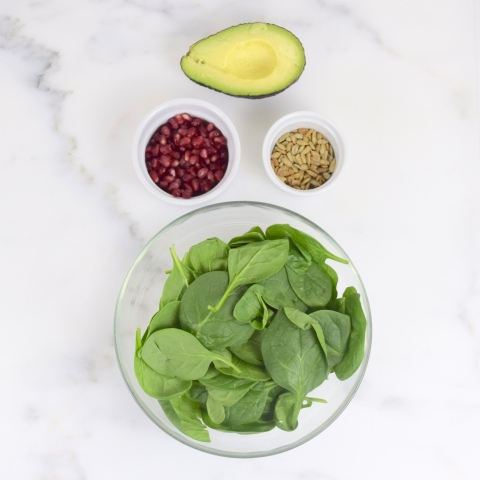 Spinach Avocado Salad with Pomegrante