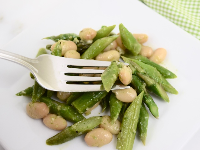 Great Northern Bean and Asparagus Salad with Tarragon-Lemon Dressing